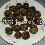 kakaolu toplar 150x150 Ev eriştesi yemeği
