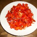 Fırında Közlenmiş Yağlı Kırmızı Biber Salatası